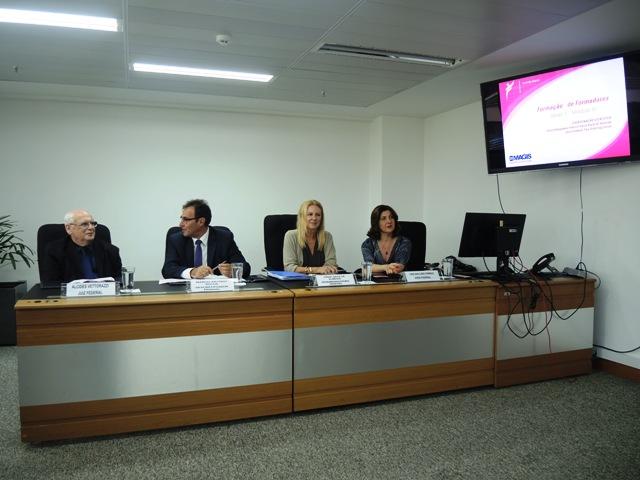 Emagis promove em Florianópolis curso de formadores de juízes